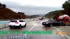 """《釜山行》拍续集了?韩国高速路20多车连环撞  男子上演""""神躲避"""""""