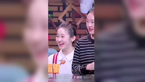 日常给张艺凡打call,妹妹笑起来的时候,才是最可爱的时候!