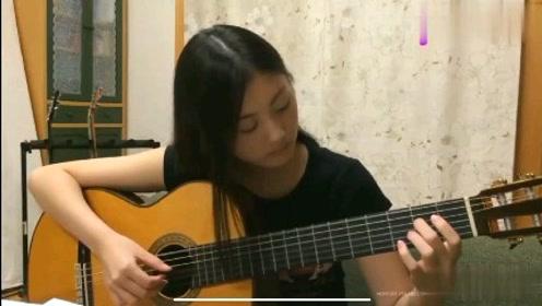 日本美女中学生弹奏《魔女宅急便》爆红网络