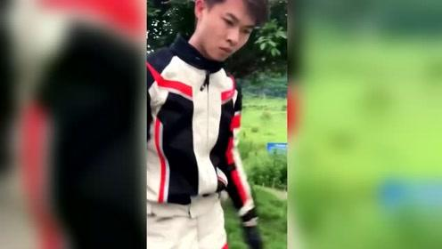 许华升爆笑视频:自从摩托车丢了以后,现在看啥都像摩托车