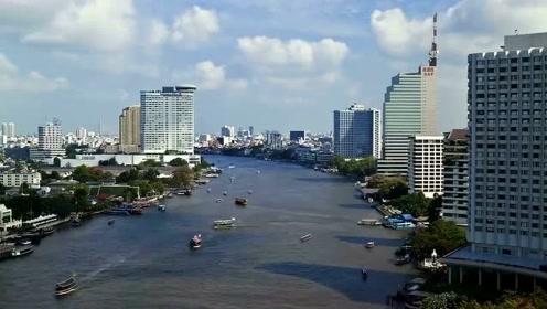 日本人到非洲旅游,刚飞机就蒙圈了,这座城市怎么变成中国的了?