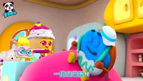 小伙伴和好朋友霸王龙一起游游泳,软萌小包子躺恐龙肚子上开心笑眯了眼