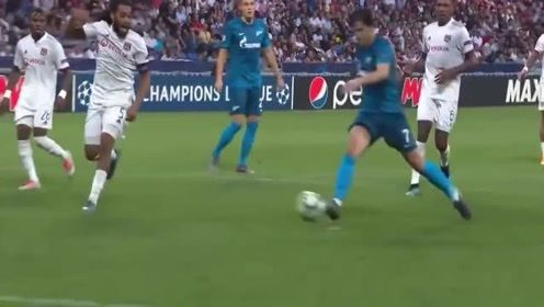 """""""国足苦主""""阿兹蒙新赛季欧冠首场就进球,这就是差距啊"""