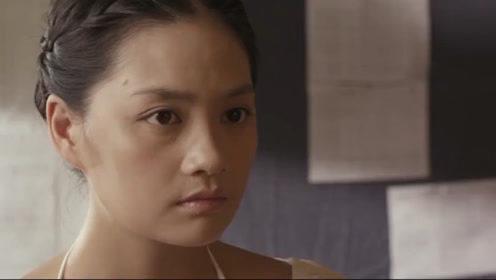 导演将女演员喊到房间,让她无法拒绝