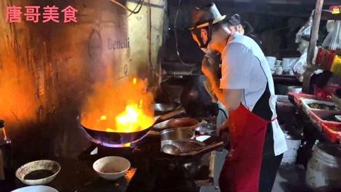 重庆超火的苍蝇馆没有招牌,每天只卖4小时,无数美女前来打了卡