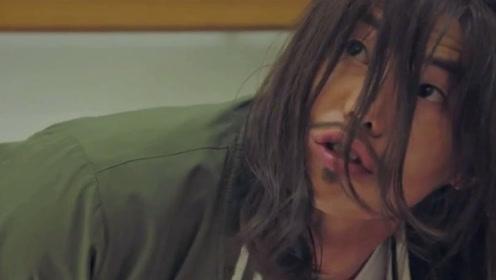 韩剧《顶楼》体育老师被出轨男派人暴打,体育老师身份到底是谁?是好是坏?