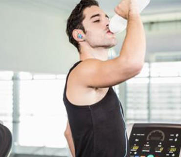 喝水多和少的人差别?