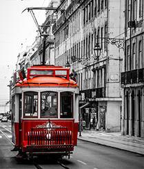 乘上里斯本古老电车穿越时光