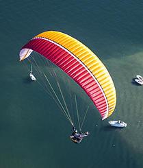 来瑞士体验高山滑翔伞