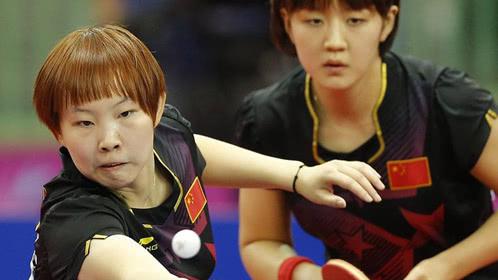 国乒球员逆天反手对决