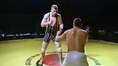 空手道高手单挑2米摔跤手