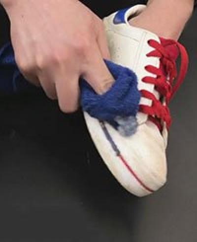 白鞋易脏不用愁!