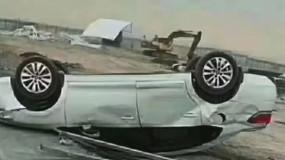 新疆突刮12级狂风:小车被吹底朝天,香梨苹果落满地!