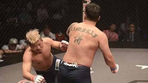 韩国拳手羞辱中国拳手