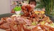大胃王狂吃肉肉