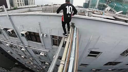 牛人组团在香港高楼跑酷
