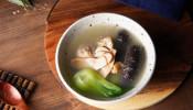 一盅热汤暖意融融