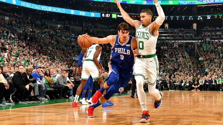 NBA揭幕战凯尔特人大胜费城