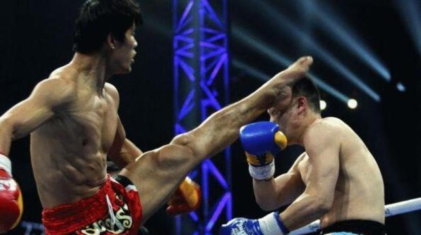 日本拳手激怒中国散打冠军