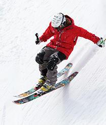 牛人悬崖后空翻炫酷滑雪