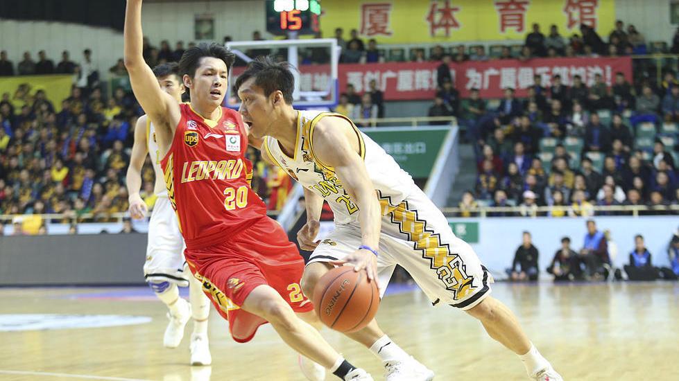 CBA季后赛首轮第2场:广厦102-106深圳