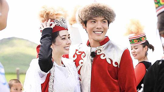 第3期:向佐郭碧婷草原举办婚礼
