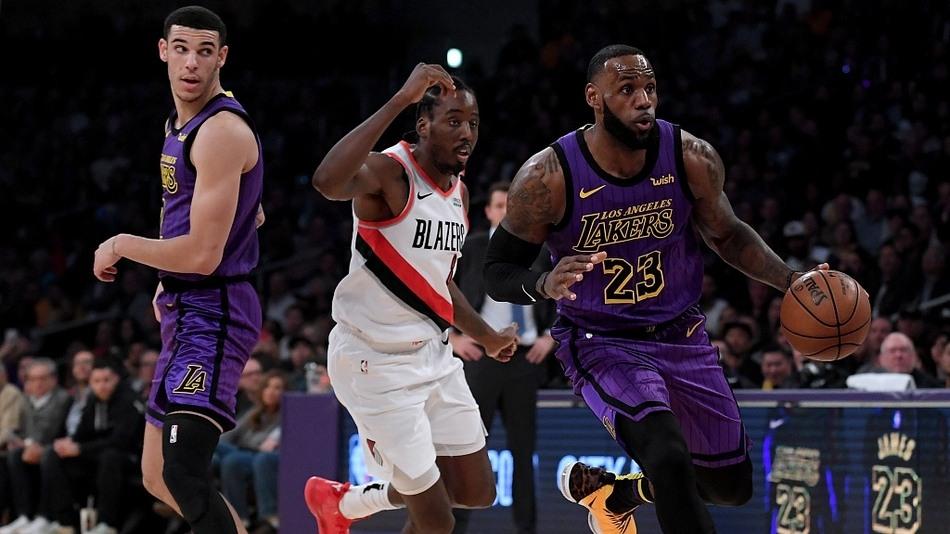 NBA-开拓者117-126湖人