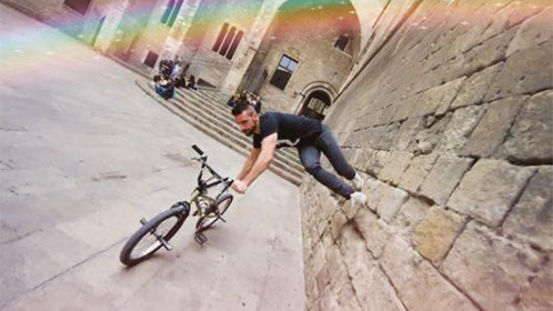 用自行车玩跑酷