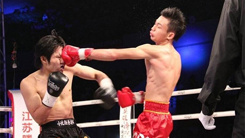 中国拳击冠军暴揍日本拳王