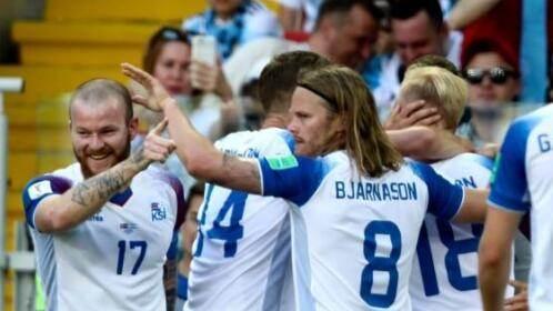 一夜爆红的冰岛足球队了解下?