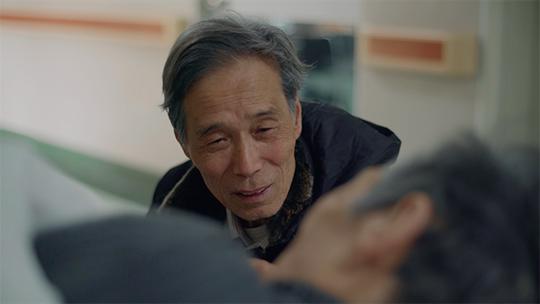 【人间世】七旬老人照顾老年痴呆姐姐:要相依为命