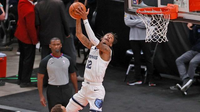 莫兰特十大逆天拉杆,360度转身太潇洒,空接拉杆扣篮够霸气!_全景NBA