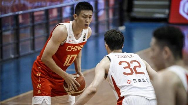中国男篮6分险胜日本!豪取亚预赛三连胜,周琦归来砍18+12