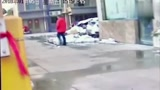 愤怒!9岁男孩被妈妈用木棍打死, 只因弄丢手机