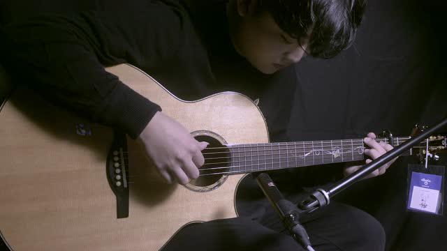 《晴天》 你我的青春记忆 指弹冠军杨楚骁演奏 乌托邦吉他银杏