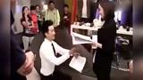 黄轩片场尬舞太滑稽 求婚杨幂视频曝光