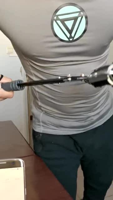 互聯網+臂力大賽 警察魏科爾沁 輕重量級 142次/分