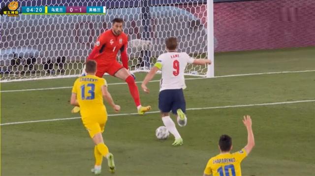 """欧洲杯乌克兰VS英格兰,第3分钟凯恩捅射""""闪电破门"""",英格兰1-0领先"""