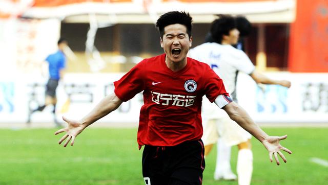 中国球员世界杯精彩瞬间:怀揣梦想的肇俊哲,灵光一现命中立柱!
