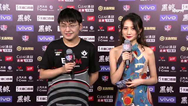 [赛后采访] 无痕:和小暖配合比较默契Chengkun:无痕经验丰富太厉害了