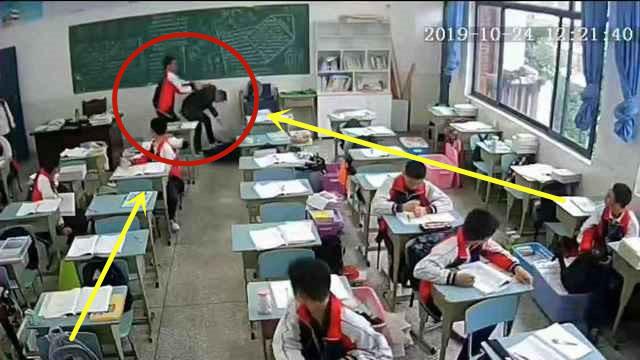 15歲中學生在教室用磚頭打傷老師頭!已被刑拘,稱不滿日常管理