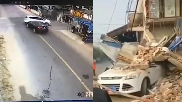 路口兩車相撞,撞塌路邊樓房,交警質問司機:你在開飛機嗎?