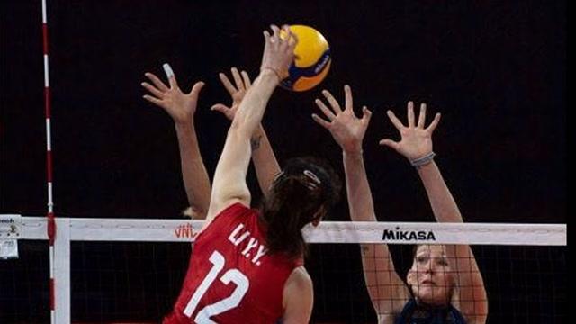 四连胜!中国女排3-0完胜意大利女排
