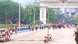 来到云南河口,早上越南人都拼了命的往中国国门跑,太神奇了