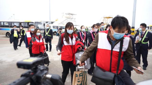 中國專家組帶着31噸物資馳援意大利 機長暖心廣播致敬逆行者