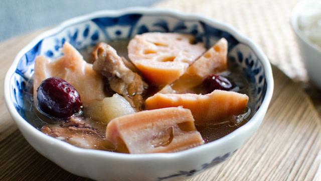 秋天一定要喝這碗湯,清甜暖胃又營養,還能防燥潤肺!