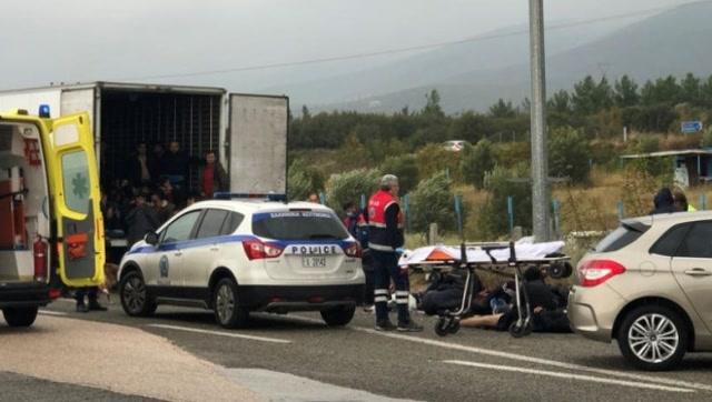 """希臘警方查獲""""移民冷藏車"""" 外媒:41名移民都還活着"""