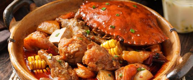 秋夜裏吃明蝦雞爪肉蟹煲,可以列爲人生十大最幸福瞬間