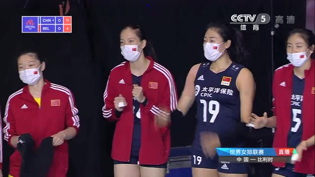 状态回来了!中国女排连续双人拦网取分打停比利时女排_排球