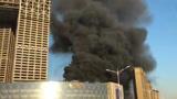 实拍:南京河西金鹰片区着火 浓烟直冲天空